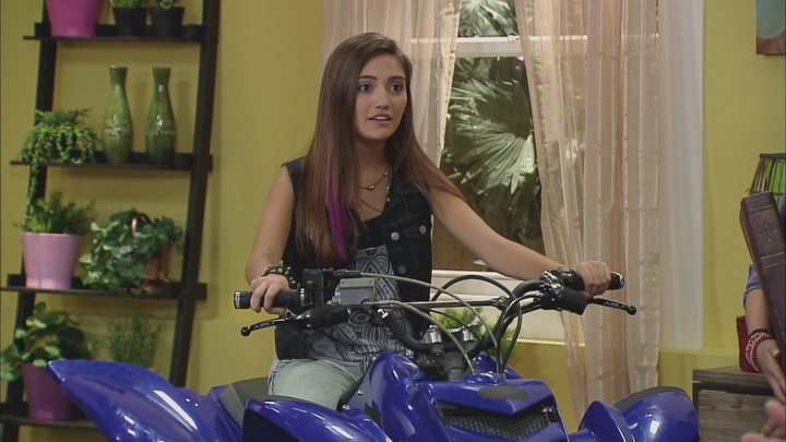 Watch Every Witch Way Season 2 Episode 23: I'll Stop the